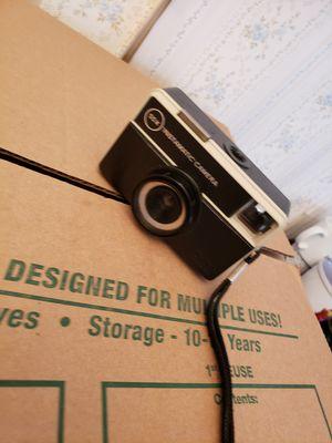 Vintage Instamatic Camera / No Film for Sale in Waterbury, CT