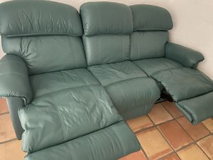 Leather Recliner Sofa for Sale in Boca Raton, FL
