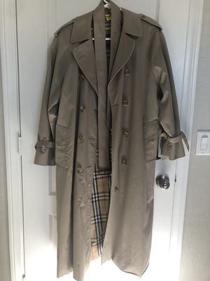 Burberry Trenchcoat for Sale in Las Vegas, NV