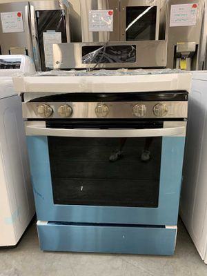LG 5.4 cu. ft. Gas Single Oven Range with Fan Convection and EasyClean for Sale in Whittier, CA