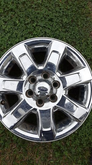 All four rims chrome 6 lugs 18in for Sale in Lake Charles, LA
