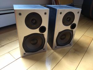 Polk audio M10 Black bookshelf home theater stereo speakers for Sale in Queens, NY
