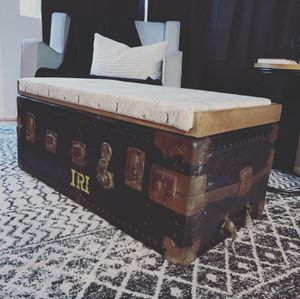 Vintage Trunk - bench with storage for Sale in Alta Loma, CA