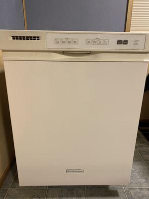 Kitchen Aid White Dishwasher w/stainless tub for Sale in Auburn, WA