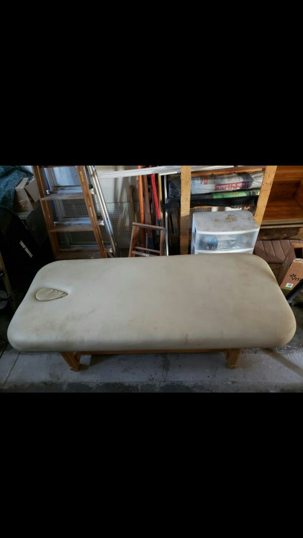 Earthlite Professional massage table bed sheep skin