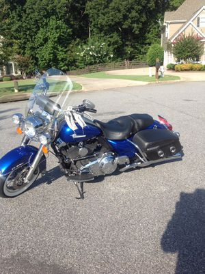 2009 HARLEY DAVIDSON ROAD KING CLASSIC ONLY 14,000 MILES. ALL SERVICES UP TO DATE. GREAT CONDITION for Sale in Cumming, GA