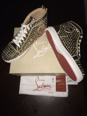 Christian Louboutin red bottoms for Sale in Pembroke Pines, FL