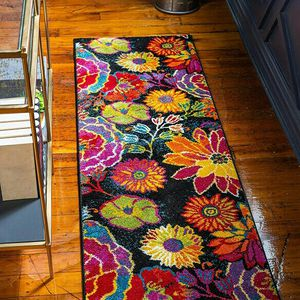2' x 6' Modern Floral Runner Rug for Sale in Sylmar, CA