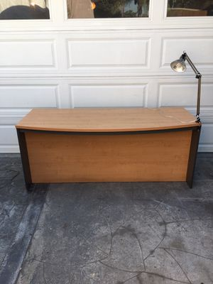 Large Contemporary maple wood office executive desk with light for Sale in Long Beach, CA