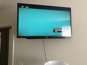 32 inch flat screen tv WITH OR WITHOUT mounting for Sale in Baltimore, MD
