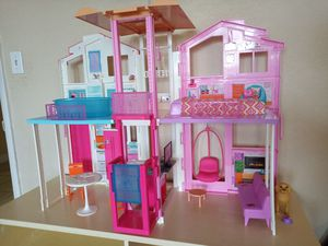 Barbie doll house with lots of extras (110.00) for Sale in Miami Gardens, FL