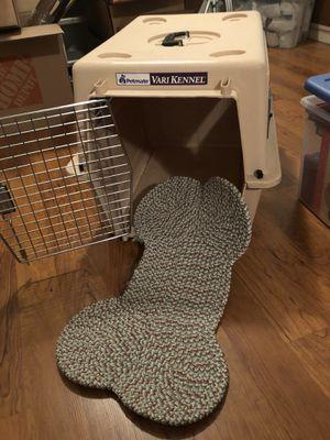 Medium dog petmate dog crate for Sale in Reston, VA