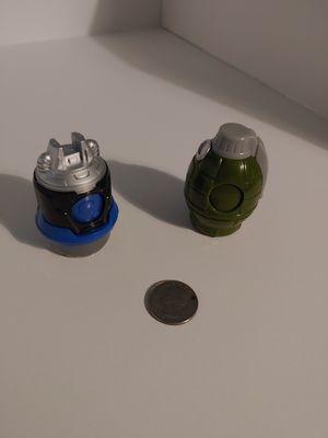 Tiny army guys vs alien guys toys for Sale in Muncy, PA