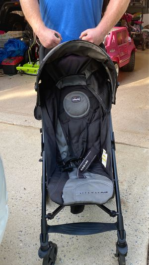 Chicco liteway plus stroller for Sale in Simpsonville, SC