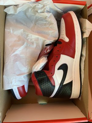 Jordan 1 Retro High Satin Snake Chicago ( size 8.5Womens; size 7Men) for Sale in Alameda, CA