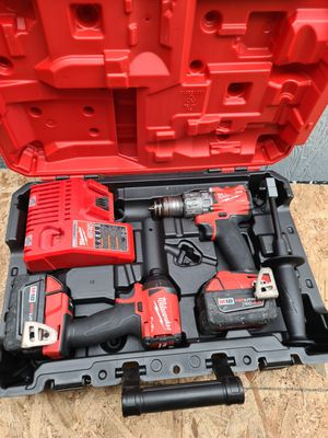 Milwaukee M18 FUEL 18-Volt Lithium-Ion Brushless Cordless Hammer Drill and Impact Driver Combo Kit (2-Tool) with Two 3.0ah and 4.0ah Batteries for Sale in Snohomish, WA