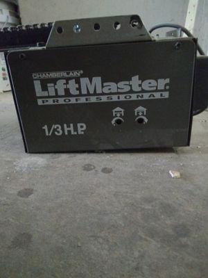 Lift master, garage door opener for Sale in Madera, CA