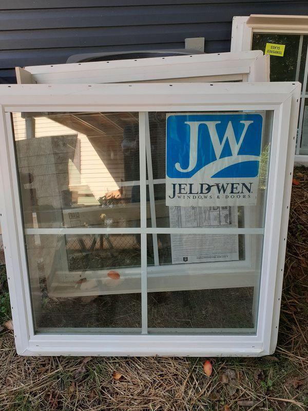 """4 36""""x36""""ventanas solidas jeld wen nuevas $175 por Las 4"""