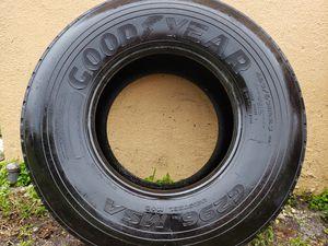 (1) Truck tire 425/65R22.5 for Sale in Pembroke Pines, FL