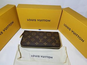 Louis Vuitton Womens Monogram Zippy BROWN Inside (Authentic) for Sale in Queens, NY