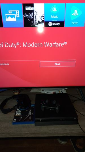 Ps4 Slim 1TB W/ Turtle Beach 700 series headset and a SCUFF controller for Sale in Austin, TX