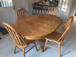 Kitchen Table with center leaf for Sale in Alexandria, VA