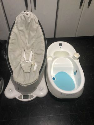 4 Moms Swing & Tub for Sale in Jersey City, NJ