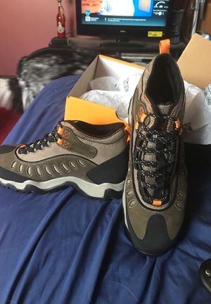 Timberland pro brand new,steel toe,men's work boots size 10.5..never worn for Sale in Chicago Heights, IL