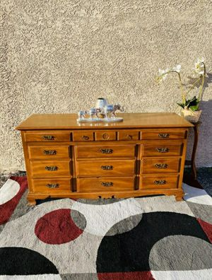 Beautiful Solid Wood Dresser, DELIVERY AVAILABLE for Sale in Las Vegas, NV