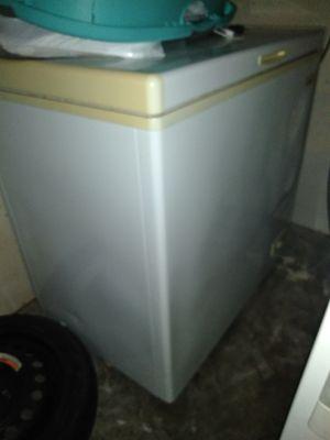 Majic Chef floor model freezer for Sale in Baytown, TX