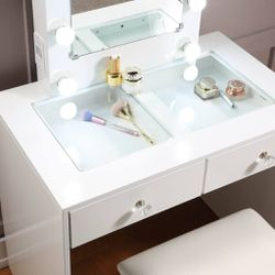 Table With Outlet And USB for Sale in Rowland Heights,  CA