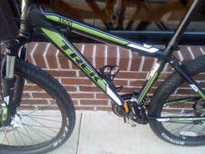 TREK 3500 mountain bike for Sale in Columbus, OH