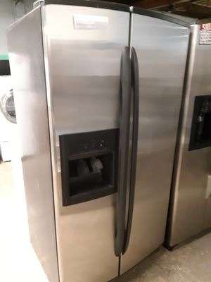 KENMORE STAINLESS STEEL SIDE BY SIDE DOORS FRIDGE WORKING PERFECTLY 4 MONTHS WARRANTY for Sale in Baltimore, MD