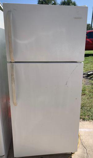 Frigidaire Refrigerator for Sale in Fort Pierce, FL