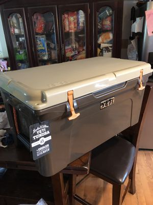 Yeti Tundra 65 Wetlands Ducks unlimited Limited Edition (Brand New) for Sale in New Market, MD