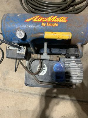 AIRMATE. Compressor by Emglo with 2- hoses for Sale in Grayslake, IL