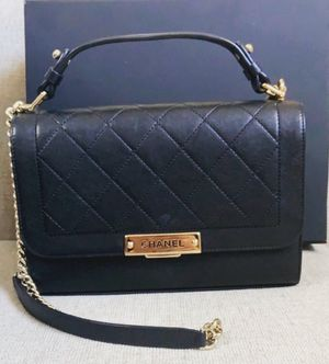 Medium CHANEL flap bag for Sale in West Bloomfield Township, MI