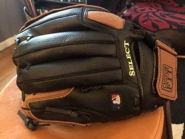 "Wilson Pro Select 12.5"" Softball glove"