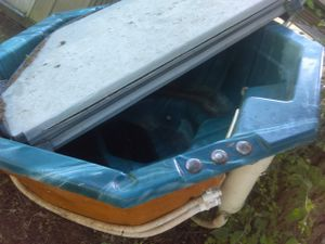 Free hot tub with cover for Sale in Roy, WA