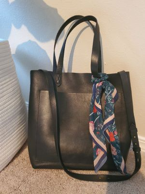Madewell Medium Transport Tote for Sale in Bellevue, WA
