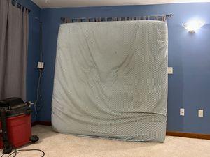 Free king mattress sealy for Sale in Oviedo, FL