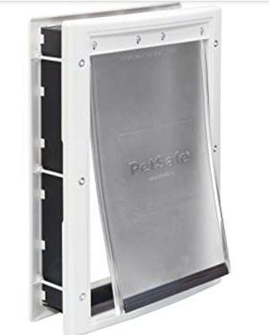 Petsafe Pet Door. Doggy door, dog door. Size medium for Sale in Carnation, WA