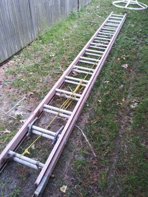 28 Foot extension ladder for Sale in Virginia Beach, VA