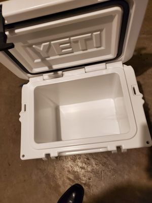 Yeti cooler for Sale in Mesquite, TX