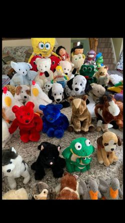 70+ stuffed animals and plushies for Sale in Vienna,  VA