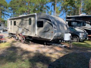26ft Shasta oasis with slide out for Sale in Richmond Hill, GA