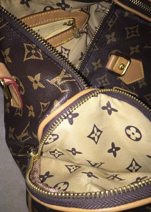 Louis Vuitton bag for Sale in Westerville, OH