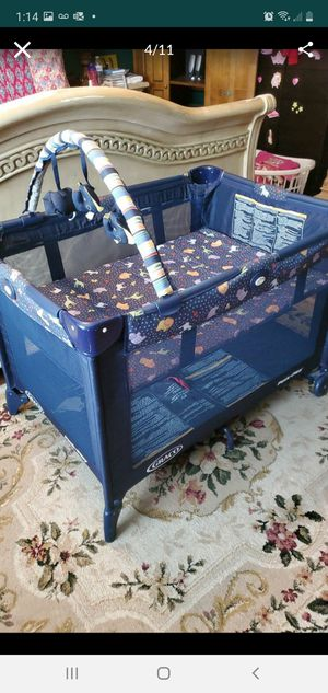 Graco pack and play crib, excellent condition for Sale in Pembroke Pines, FL