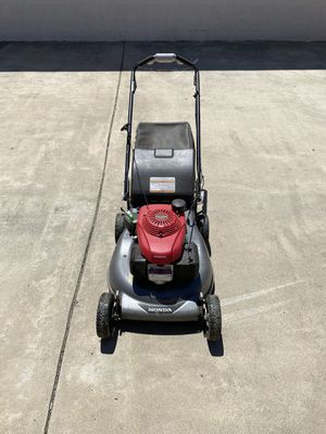21 in. 3-in-1 Variable Speed Gas Walk Behind Self Propelled Lawn Mower with Auto Choke for Sale in Riverside, CA