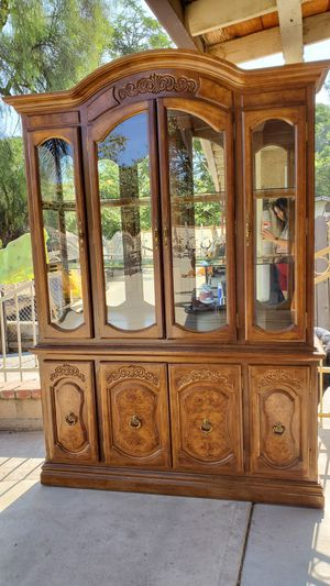 Antique China Cabinet for Sale in Norco, CA